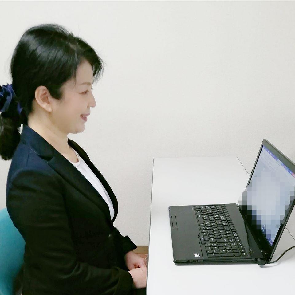 オンラインや対面式の各種マナーセミナーを受付しています
